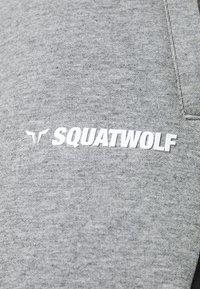 SQUATWOLF - WARRIOR SHORTS - Sports shorts - grey - 4