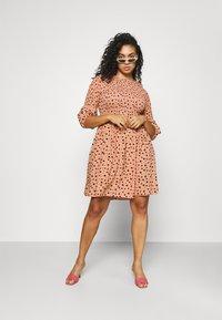 Glamorous Curve - SMOCKED BUBBLE SLEEVE DRESSES WITH ROUND NECK - Denní šaty - peach - 1