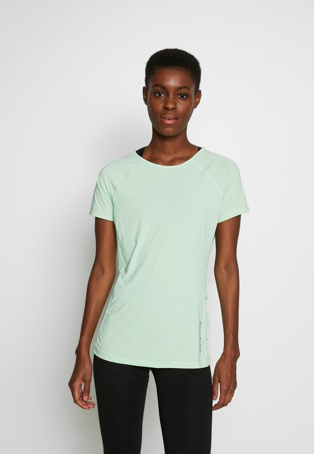 ONPPERFORMANCE RUN TEE TALL - T-shirt con stampa - green ash