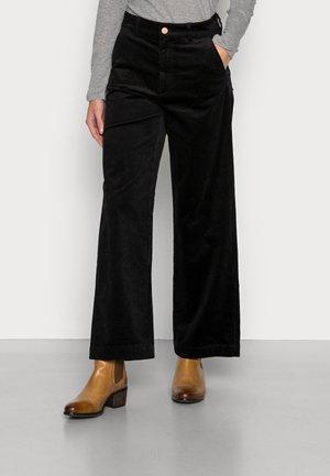 TOMMA CORDUROY PANTS - Trousers - black