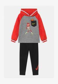 Nike Sportswear - ZIG/ZAG SET - Chándal - black - 0