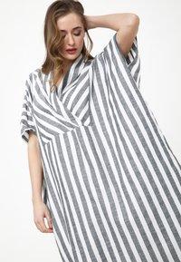 Madam-T - KORNA - Maxi dress - schwarz/weiß - 5