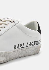 KARL LAGERFELD - SKOOL IKONIC STENCIL  - Tenisky - white - 6