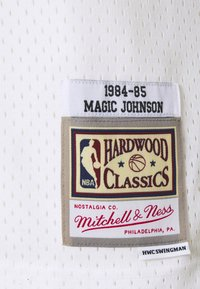 Mitchell & Ness - NBA LOS ANGELES LAKERS RELOAD SWINGMAN MAGIC JOHNSON - Club wear - white - 5