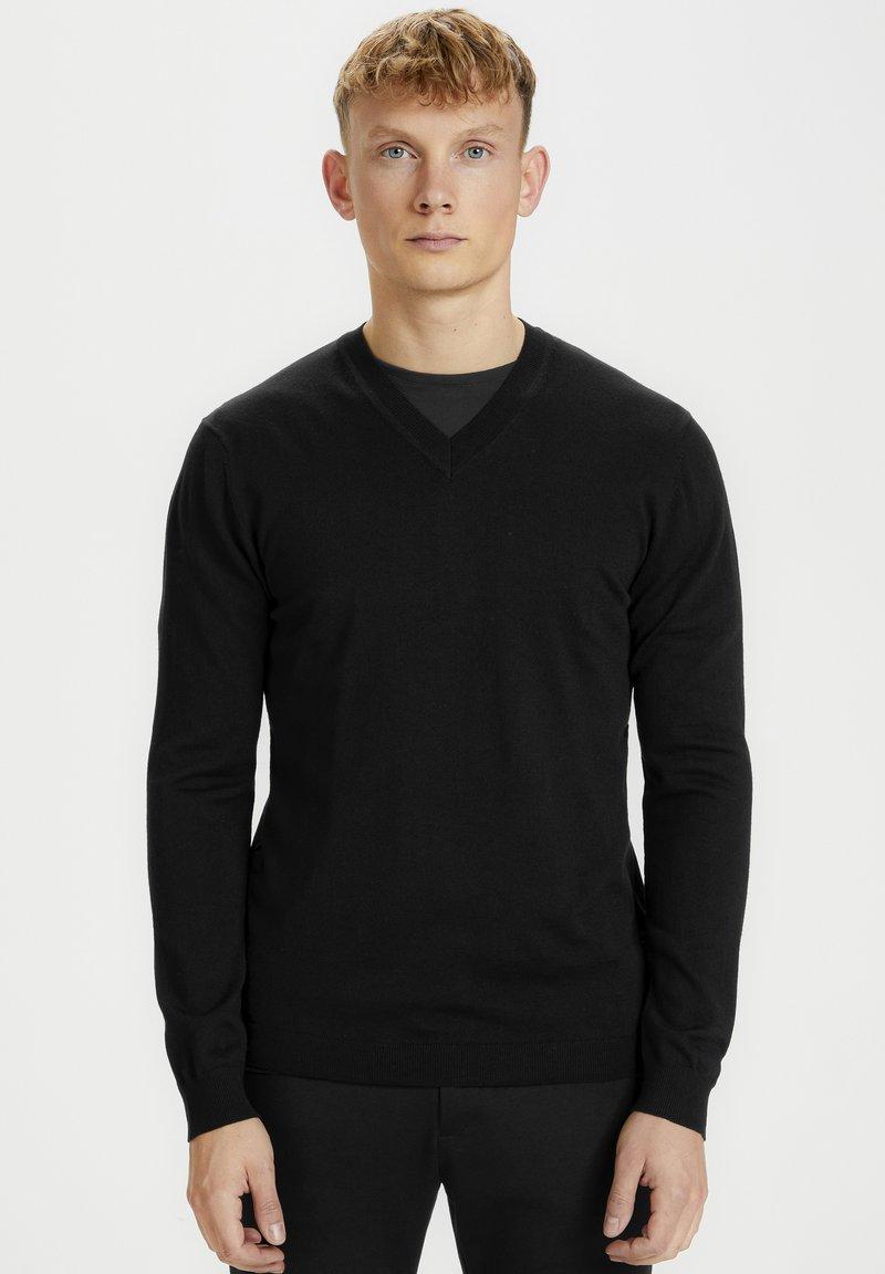 Matinique - Jumper - black