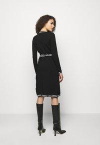KARL LAGERFELD - LOGO TAPE WRAP DRESS - Jumper dress - black - 2