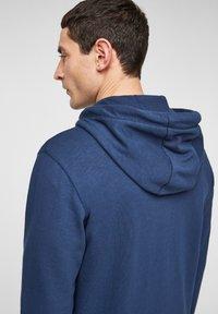 s.Oliver - FELPA - Sweat à capuche zippé - blue - 4