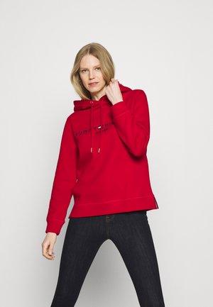 REGULAR HOODIE - Sweatshirt - red