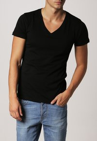 Resteröds - ORIGINAL - Basic T-shirt - black - 1