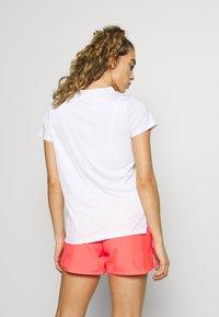ASICS - PRACTICE TEE - T-shirts basic - brilliant white - 2