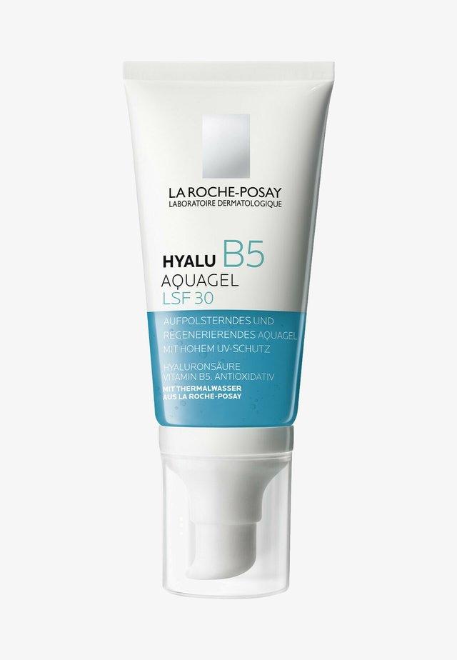 FACE CARE CARING HYALU B5 AQUAGEL LSF 30 - Face cream - weiß