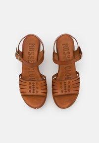 Musse & Cloud - KATYA - Sandály na platformě - brown - 4
