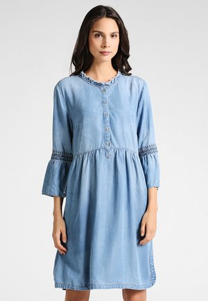 LUSSA DRESS - Denimové šaty - light blue denim