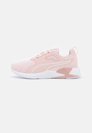 DISPERSE XT FTR - Neutral running shoes - lotus/white