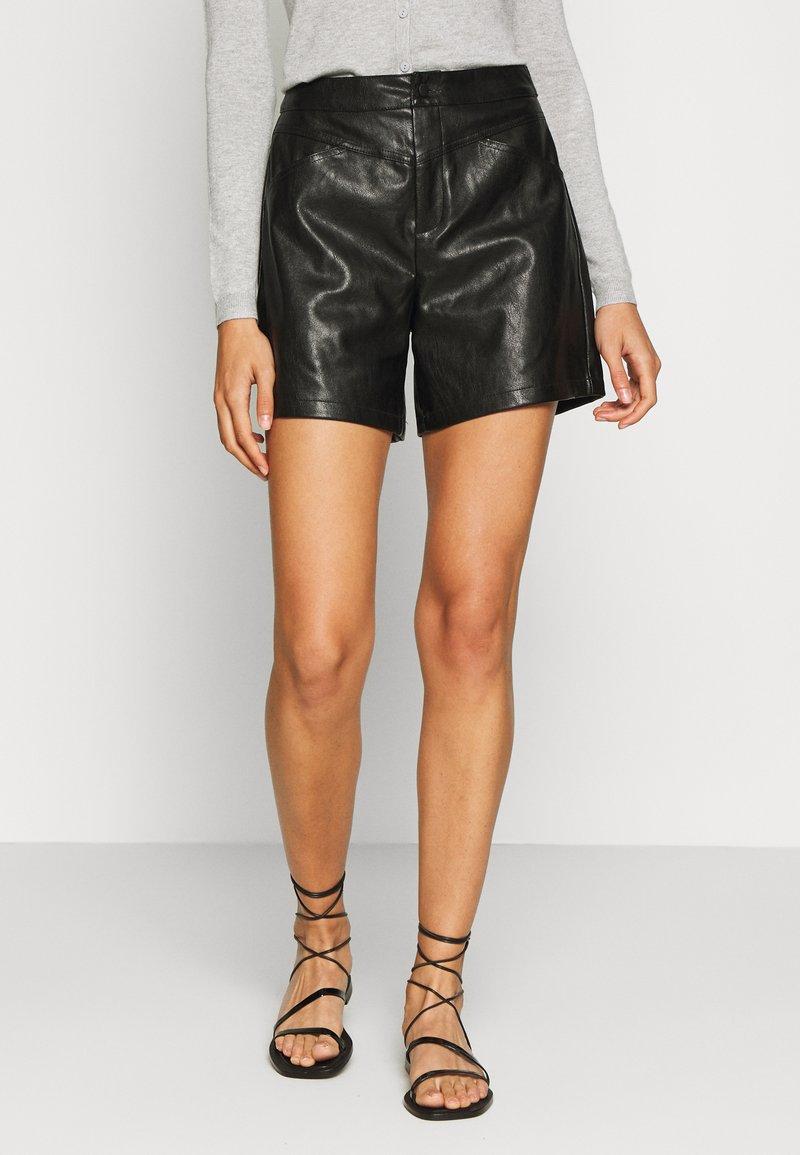 ONLY Tall - ONLKARA - Shorts - black