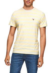 s.Oliver - Print T-shirt - light yellow stripes - 0