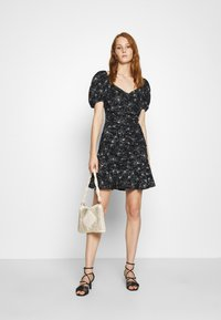 Mavi - PRINTED DRESS - Sukienka letnia - black - 1