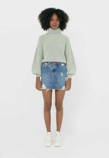 MIT ASYMMETRISCHEM BUND  - Mini skirt - blue
