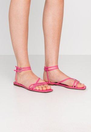 IVY - Sandals - magenta