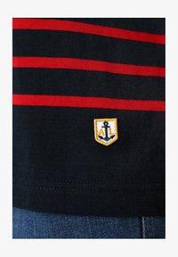 rich navy braise