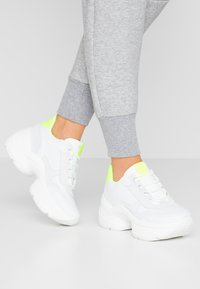 Steven New York - SHIZZLE - Trainers - white/yellow - 0