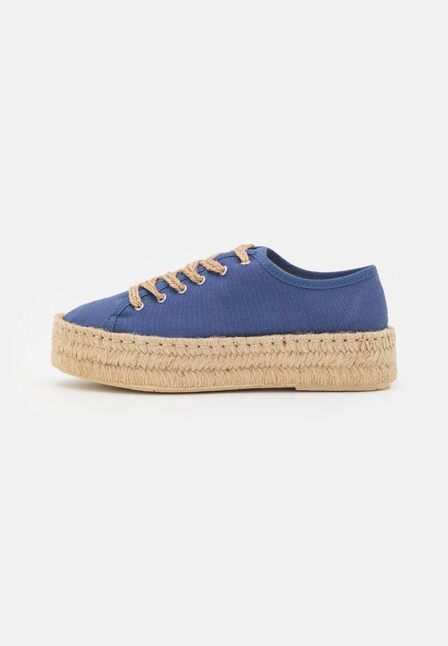 Chaussures à lacets - navy