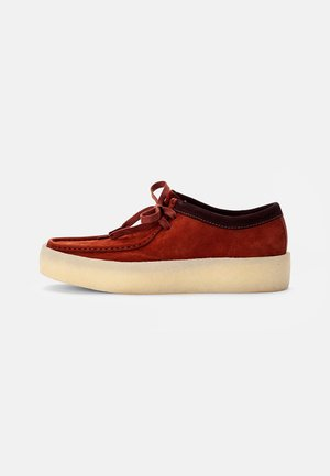 WALLABEE CUP - Casual lace-ups - burgundy nubuck