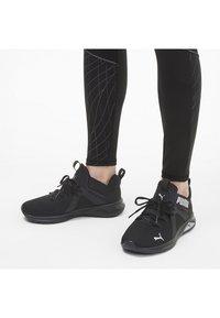 Puma - ENZO  - Chaussures de running neutres - black-metallic silver - 0