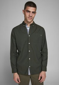 Jack & Jones PREMIUM - JJECLASSIC  - Camisa - olive night - 3