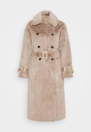 REVERSIBLE COAT - Klasický kabát - mink