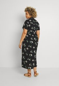 Vero Moda Curve - VMSIMPLY EASY LONG - Košilové šaty - black - 2