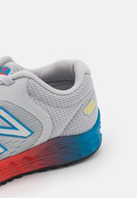 New Balance - ARISHI WELCRO UNISEX - Neutral running shoes - grey - 5