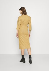 River Island - Pletené šaty - camel - 2