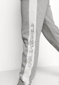 KARL LAGERFELD - LOUNGE UNISEX - Pyjama bottoms - grey melange - 5