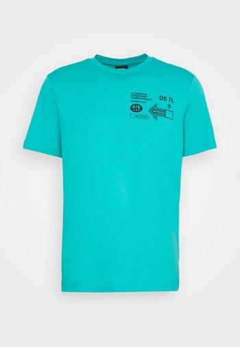 T-JUST-A39 MAGLIETTA UNISEX - Printtipaita - turquoise