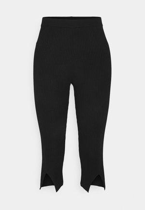 FRONT SLIT - Shorts - black