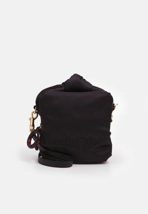 TILLY SMALL CAMERA - Across body bag - black