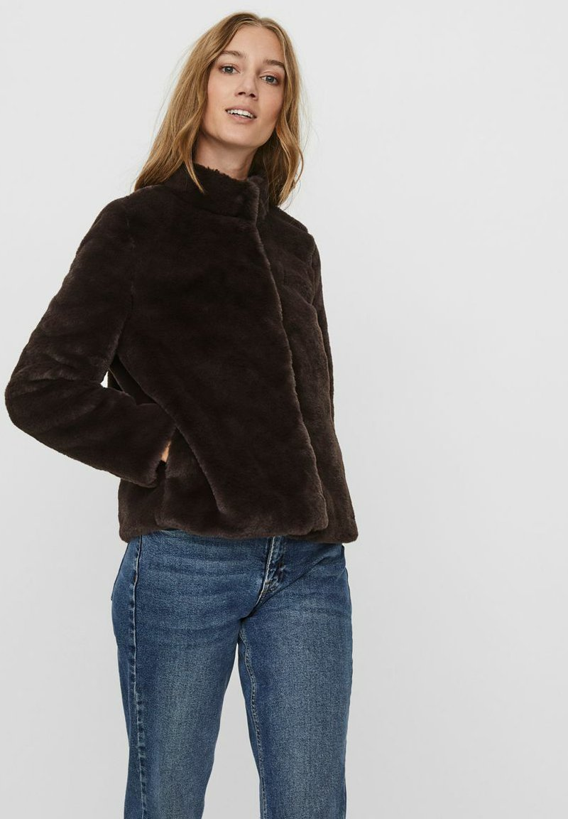 Vero Moda - Winter jacket - chocolate plum