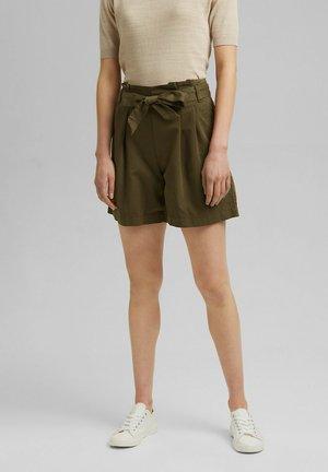 MIT GÜRTEL - Shorts - khaki green