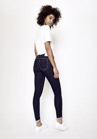 Five Fellas - ZOE - Jeans Skinny Fit - dunkelblau - 2
