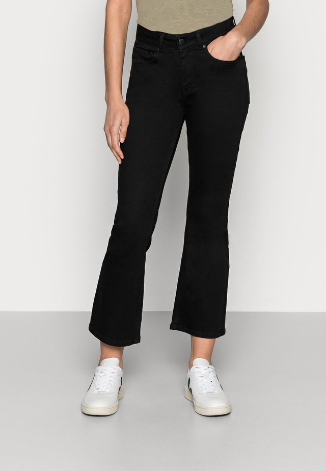 JO - Široké džíny - black