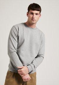 Phyne - Sweatshirt - grey - 0
