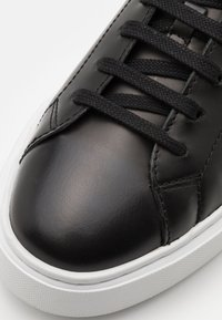 Clarks - HERO LITE LACE - Trainers - black - 5