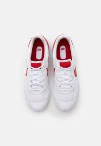 Nike Performance - PREMIER II SALA IC - Zaalvoetbalschoenen - white/university red/photon dust - 3