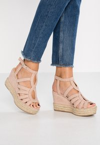 Bullboxer - High heeled sandals - nude - 0