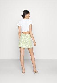 Glamorous - CARE NOTCH SKIRTS - Mini skirt - olive green - 2