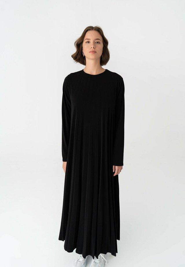 Maxi-jurk - black