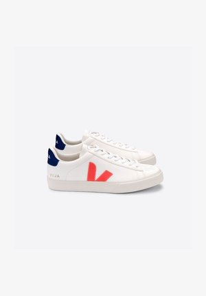 Skate shoes - white/orange