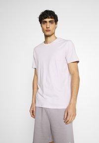 Pier One - 5 PACK - T-shirt basic - dark grey/light grey/black - 1