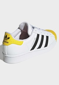 adidas Originals - ADIDAS ORIGINALS ADIDAS X LEGO - SUPERSTAR - Baskets basses - white - 4